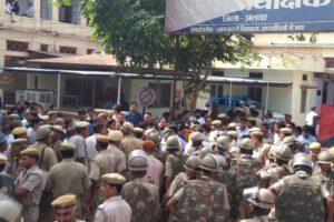 दिल्ली पुलिस vs वकीलों की लड़ाई की चिंगारी कैसे बढ़ रही हैं दूसरे राज्यों में, राजस्थान में ये क्या हुआ ?