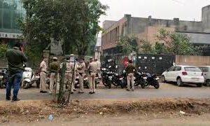 VIDEO: अज्ञात गैस ने मचाया इंडिया न्यूज में हड़कंप, कई कर्मचारी हुए बेहोश